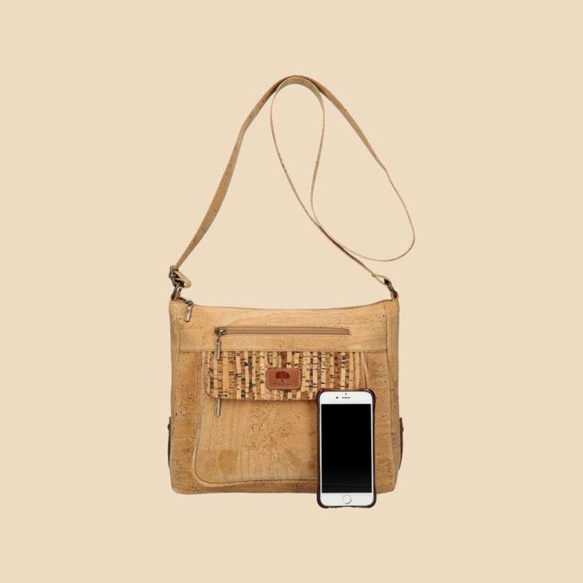 Sac bandoulière en liège modèle Shatki vue téléphone couleur beige