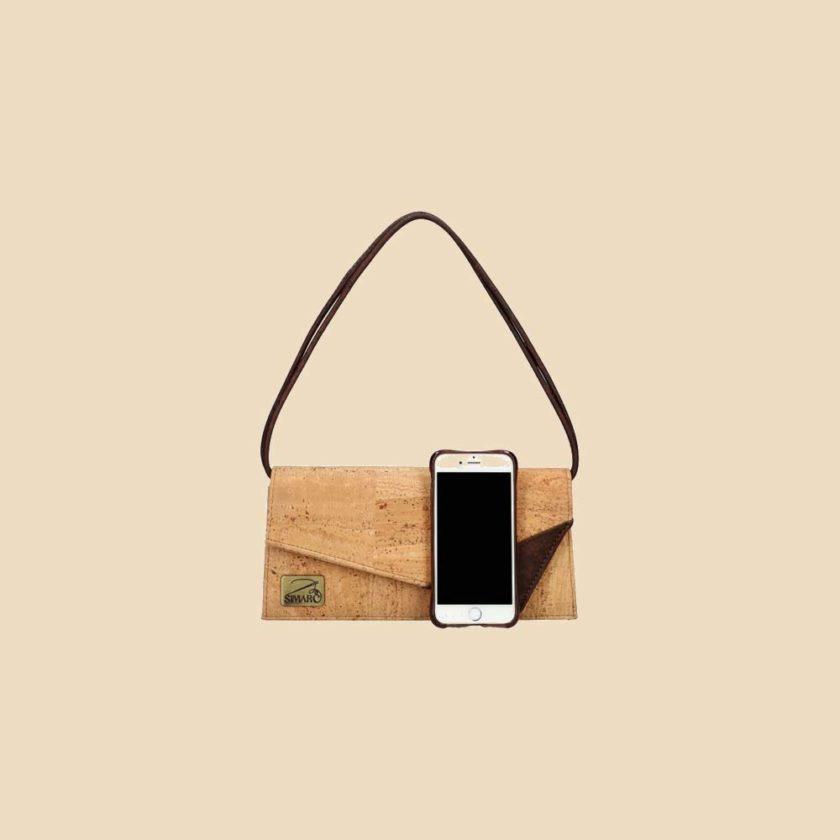 Sac bandoulière en liège modèle Lexye vue téléphone couleur liège naturel
